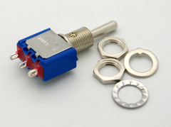 SPDT Miniature Toggle Switch (On)-Off-(On) 6A